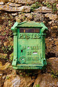Alter französischer Briefkasten von Halma Fotografie