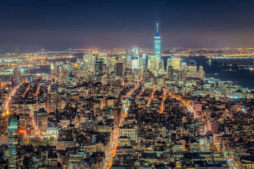 Lower Manhattan by Night van Mark De Rooij