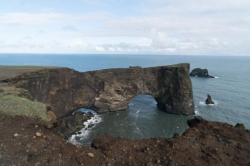 Dyrhólaey Arch in IJsland