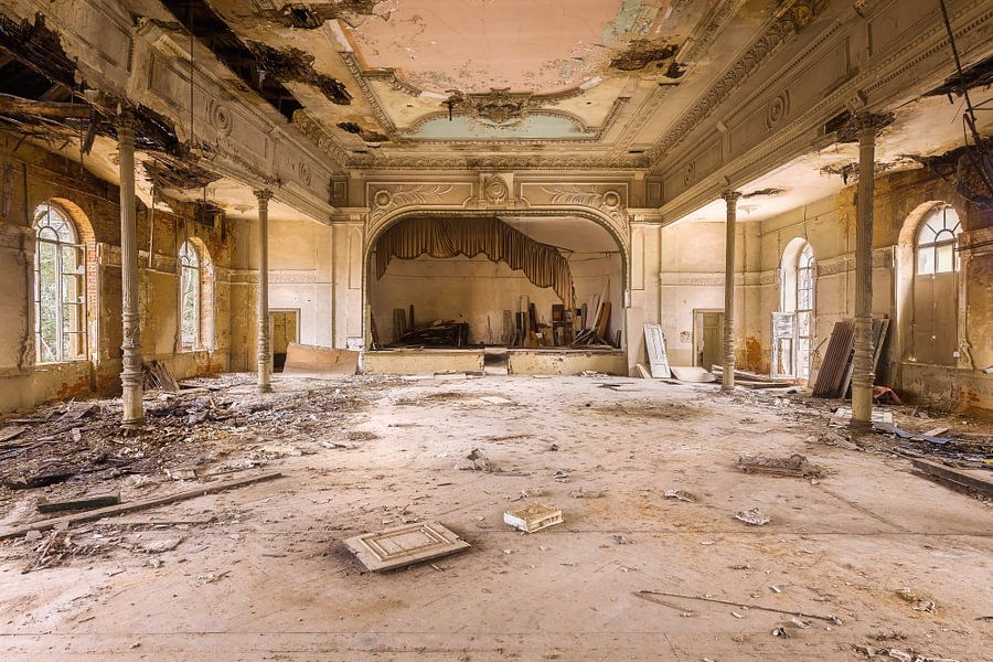 Verlaten Theater. van Roman Robroek