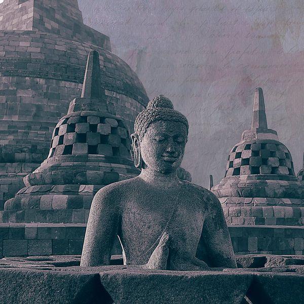 Boeddha en stupa's Borobudur Indonesië van Studio Papilio
