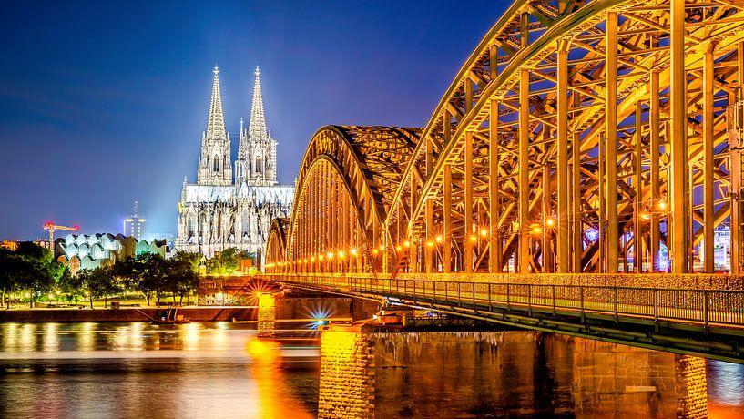 Keulse kathedraal bij nacht van Günter Albers