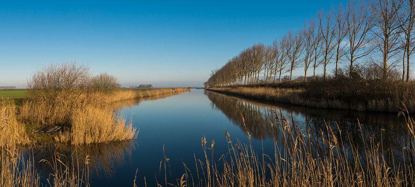 Panorama van een uitwateringskanaal bij Biervliet van Nico de Lezenne Coulander