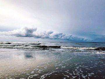 Wolken über der Nordsee bei Vlieland von Haikey Vlieland Photography