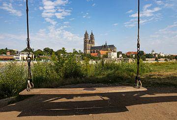 Magdebourg - Cathédrale et balançoire