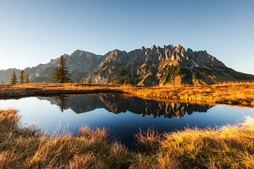 """Berglandschap """"Spiegeling in een meer"""" van Coen Weesjes"""