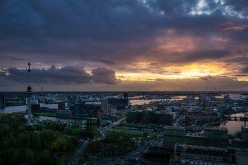 Un magnifique coucher de soleil à Rotterdam sur Roy Poots