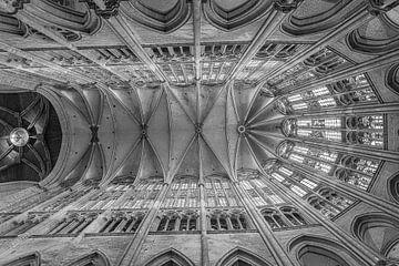 Boogbouw in de kathedraal van Beauvais von Ellen van Schravendijk
