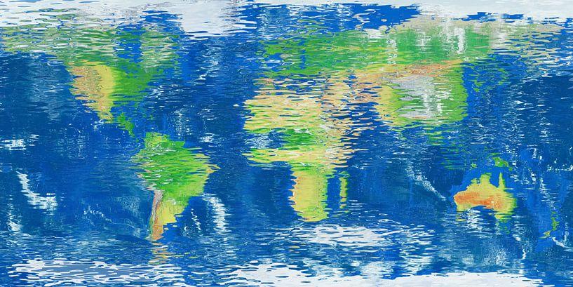 Wereldkaart waterspiegel van Frans Blok