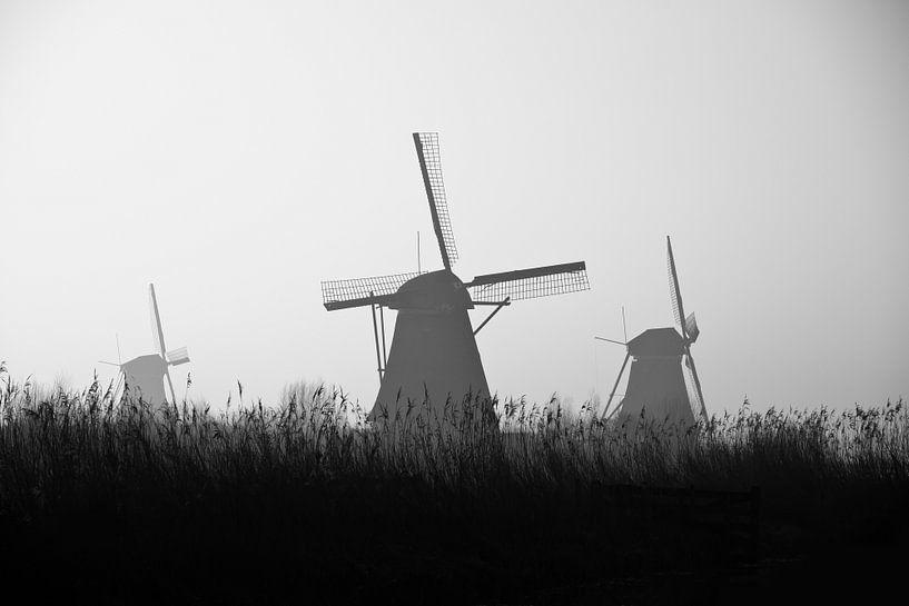 Silhouetten Kinderdijk zwart-wit van Teuni's Dreams of Reality