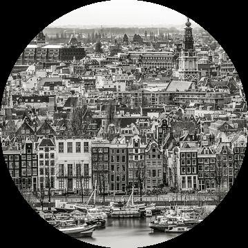 Amsterdam aan de Prins Hendrikkade van Peter Bijsterveld
