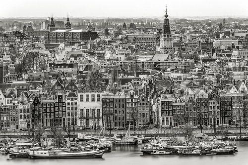 Amsterdam along Prins Hendrikkade von Peter Bijsterveld