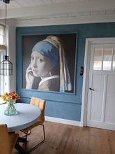 Kundenfoto: Mädchen mit dem Perlenohring im Gespräch mit Vermeer von Jerome Coppo, auf nahtloser fototapete