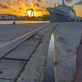 Rotterdam zonsondergang van Freddie de Roeck