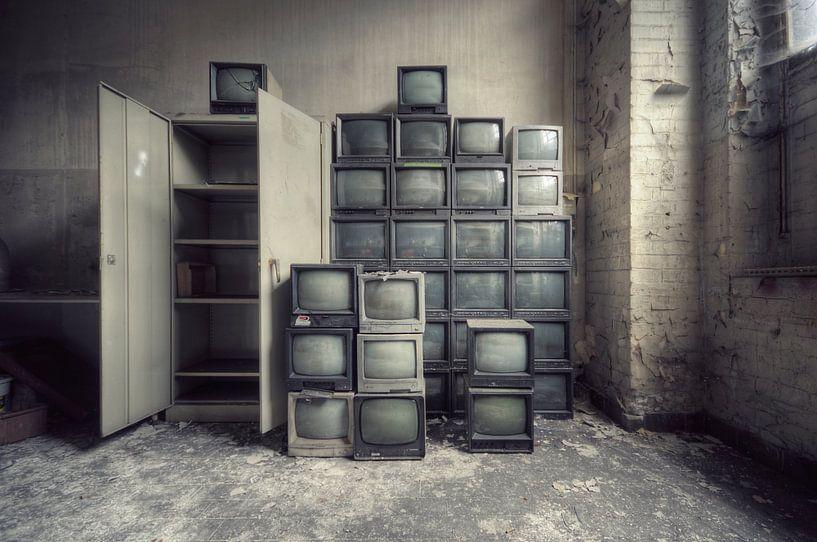Urbex - TV's von Angelique Brunas