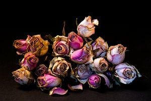 Een bos gedroogde rozen
