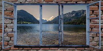 Raam uitzicht -  Grundlsee - Oostenrijk van Christine Nöhmeier