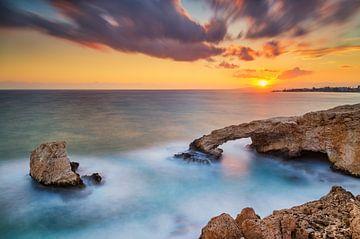 Liebesbrücke bei Sonnenuntergang, Aya Napa, Zypern von Adelheid Smitt