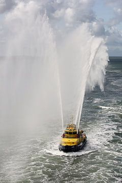 Blusboot in actie in de Rotterdamse haven van W J Kok
