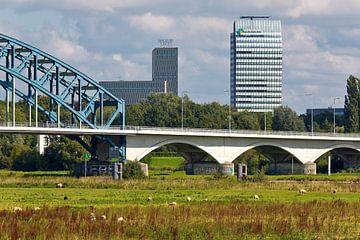 Zwolle IJsseltoren et IJsselbrug sur Anton de Zeeuw