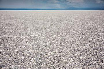 Gebrochene Salinen im Salar de Uyuni, Potosi-Gebiet, Bolivien. von Tjeerd Kruse