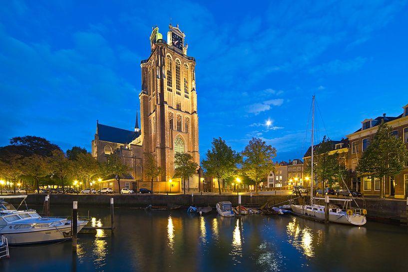 Grote Kerk Dordrecht aan de haven van Anton de Zeeuw
