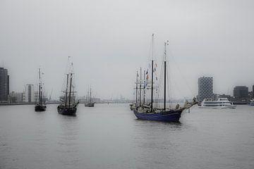 de rotterdamse haven von Angelique Rademakers