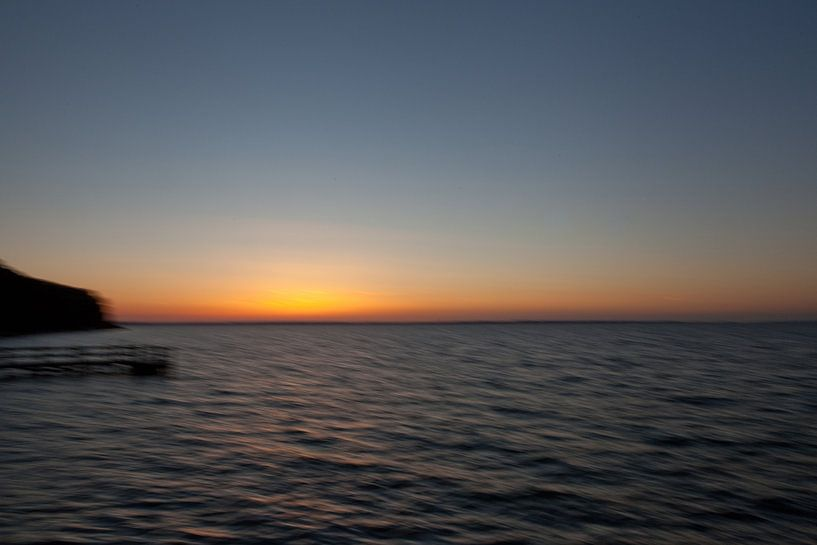 Ondergaande zon in Zweden van Jolanda Sprokholt