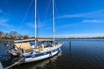 Segelschiff im Hafen Puddemin auf Rügen von GH Foto & Artdesign