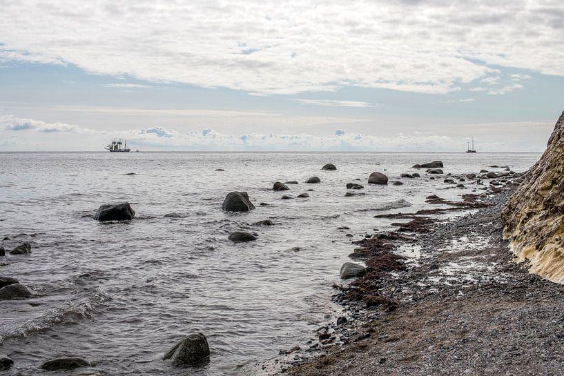 Driemaster voor de kust van Denemarken van Hanneke Luit