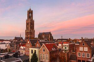 Dom van Utrecht bij avondrood van