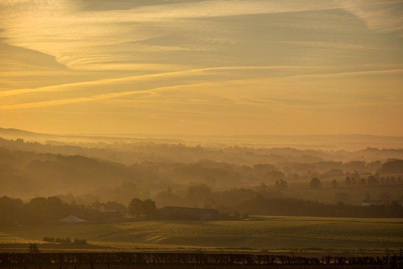 Zonsopkomst bij Epen in Zuid-Limburg van John Kreukniet