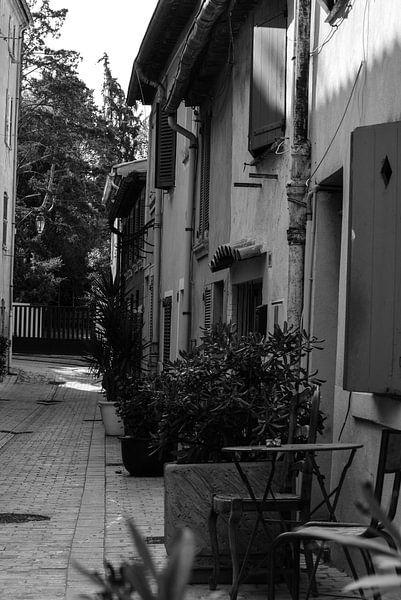 Rue Des Bouchonniers Saint-Tropez van Tom Vandenhende