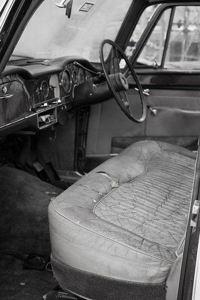 Verlassener Oldtimer II von Betty Heideman Fotografie