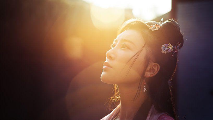 Chinese vrouw in de zon van Atelier Liesjes