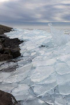 Kruiend ijs IV van