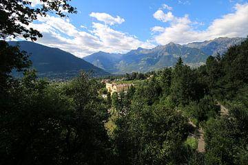 Italienisches Schloss in einem schönen Wald gelegen von Paul Franke