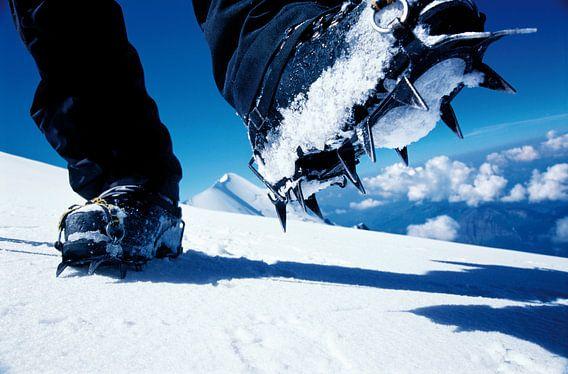Stijgijzers op de Mont Blanc
