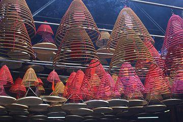 Spirales d'encens, Hong Kong sur Inge Hogenbijl