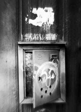 Plaka-Leaving Postbox-bw von Pia Schneider