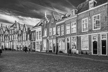 Die Altstadt von Dordrecht in schwarz-weiß von Petra Brouwer