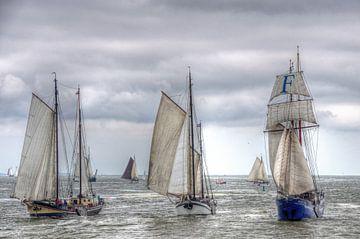 Zeilschepen op de Waddenzee richting Harlingen von Watze D. de Haan