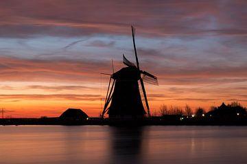 Rottemeren - Silhouet molen bij zonsopkomst van Leo Kramp Fotografie