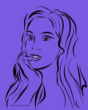 Portret van een vrouw op paarse achtergrond van Lida Bruinen