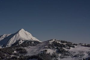 Bergen in wintersportgebied van Arie-Jan Eelman