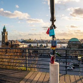 Liebesschlösser an den St. Pauli-Landungsbrücken von Deimel Fotografie