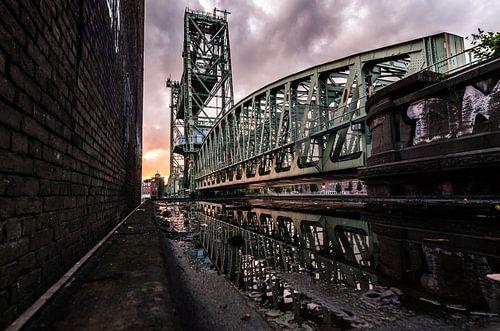 De Hef tijdens zonsondergang (Koningshavenbrug) van