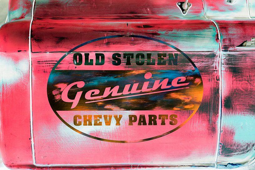 Old stolen genuine Chevy parts (Negatief) van Evert Jan Luchies