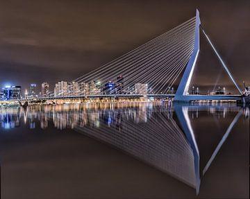 Erasmusbrug Rotterdam van Mario Calma