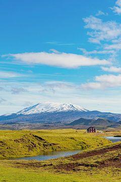 Hekla vulkaan vanuit de Markarfljót vallei in IJsland van Sjoerd van der Wal